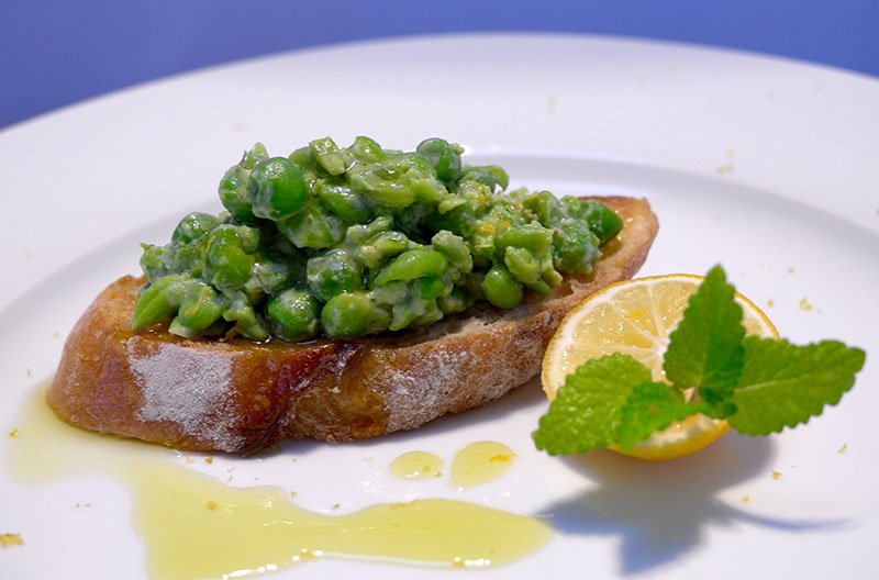 Bruschetta with Mashed Peas